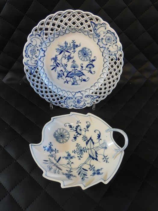 Carl Teichert, Meissen - Breakthrough plate and leaf cup (2) - Porcelain