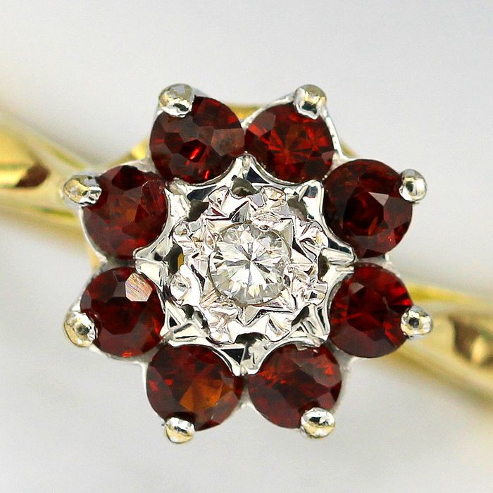 18 kt. Yellow gold - Ring - 0.05 ct Diamond - Garnets