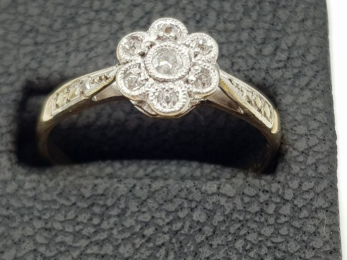 Antique Gold, Platinum & Diamond Cluster Ring - 18Kt & 950 Platinum, Yellow gold - Ring Diamond