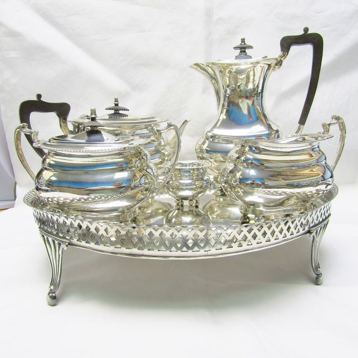 Coffee and tea service - .915 silver - Spain - First half 20th century
