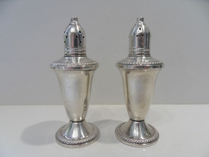 Large pair of salt and pepper (2) - .925 silver - Duchin New York - North America - mid 20th century