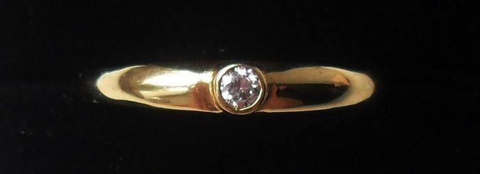 750/18 kt yellow gold - Fine antique moissanite solitaire - Ring