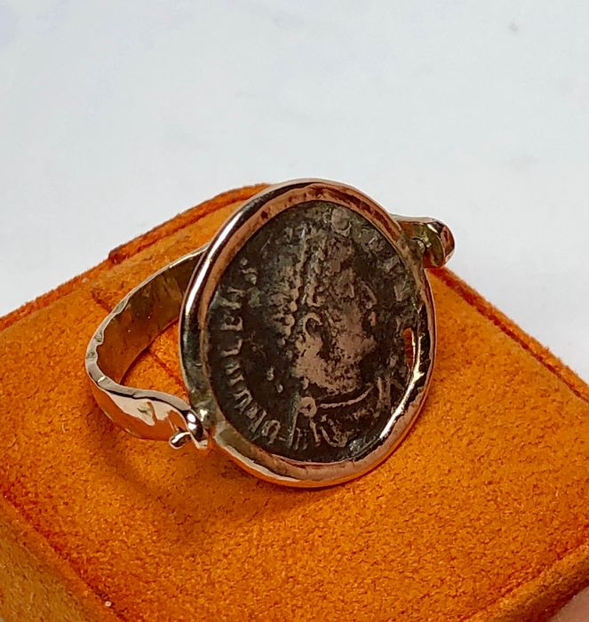 14 kt. Gold - Ring, ancient with coin