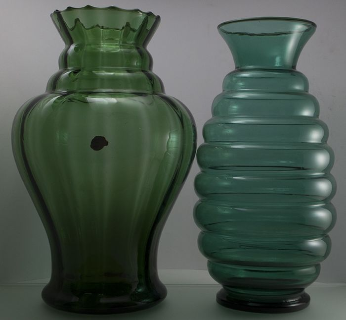 Doyen - Emerald and bottle green vase - Glass