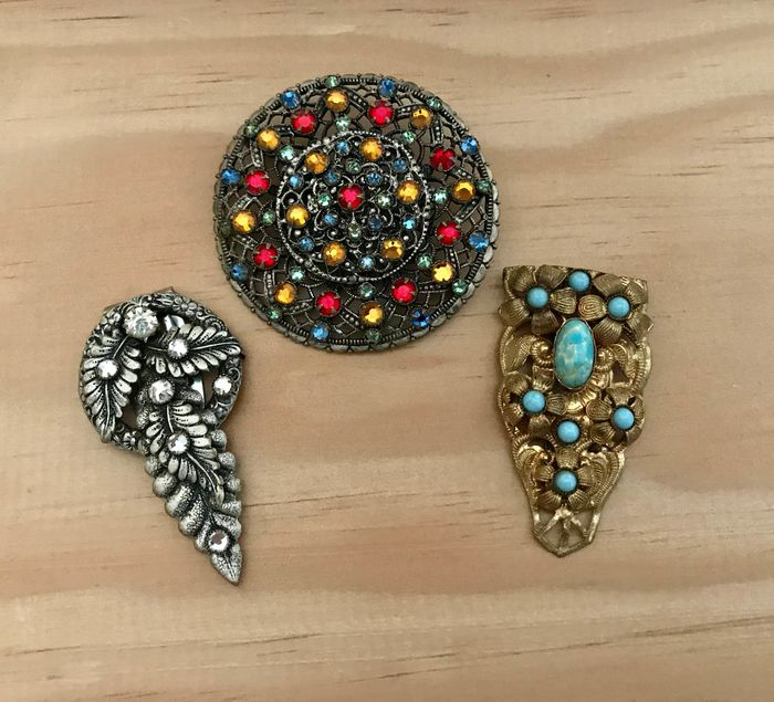 Shades of gold and silver - Pâte de verre and rhinestones - 1 brooch - 2 clip brooches