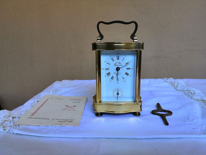 Tabletop clock - L'Epée - Brass - Late 20th century