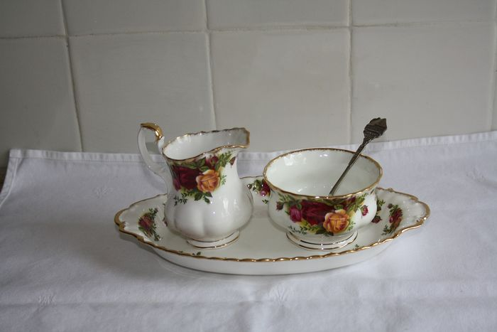 Royal Albert - Cream set with spoon (1) - Porcelain