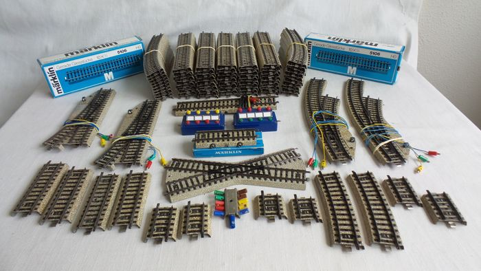 Märklin H0 - 5100/5106/7072/7210/5142/5221 - Tracks - 92-part batch of M-Rails including points, rails and accessories