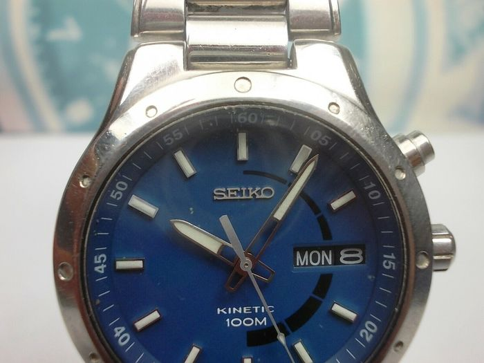 Seiko - Kinetic Water Resistant 100M - 2011 model no. 5M63-0C40 - Men - 2000-2010