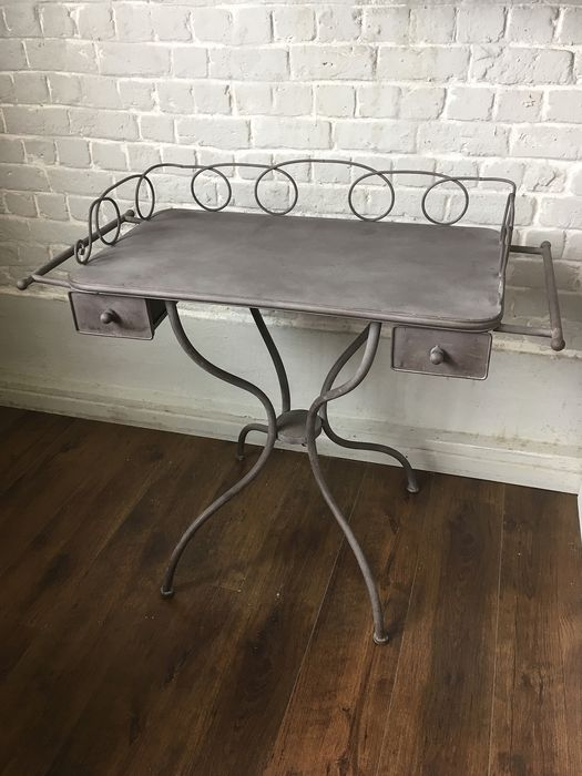 Commode, Console table, Metalware, Side table (1)