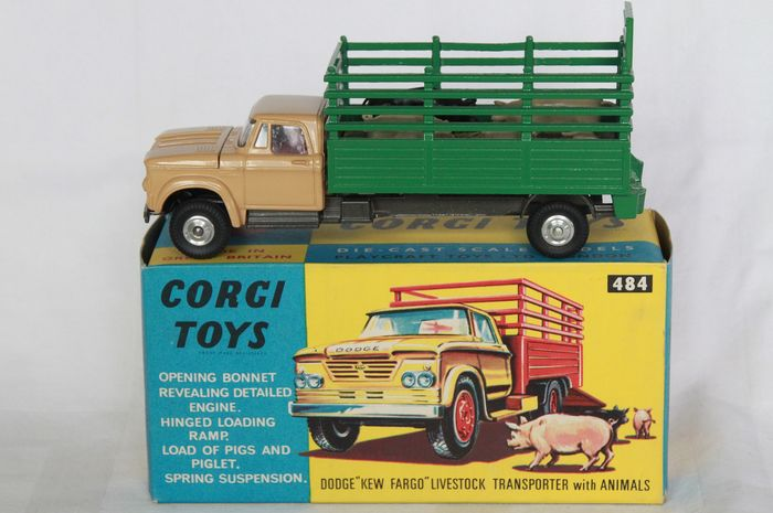 Corgi - 1:43 - Dodge Transporter nr 484 - Made in Great Britain