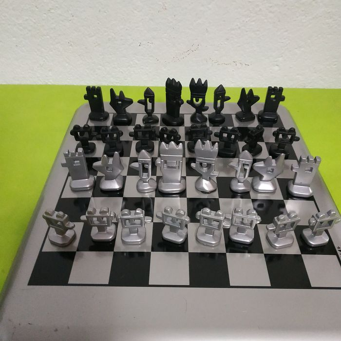 Mariscal - Chess set - metal