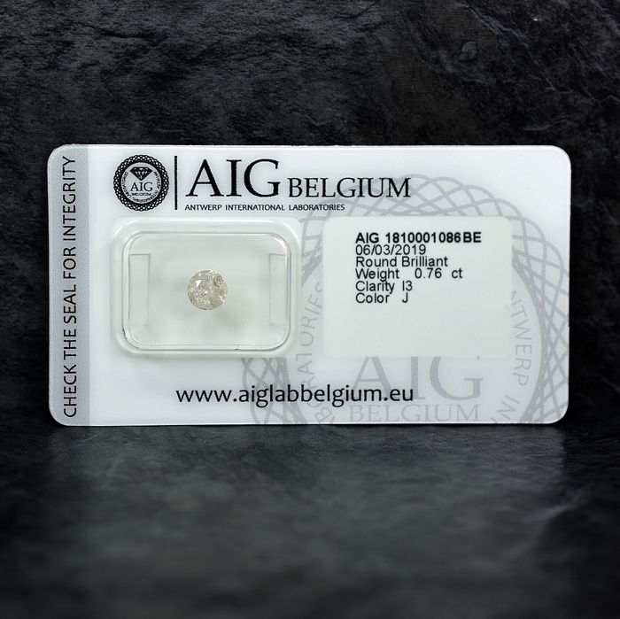 Diamond - 0.76 ct - Brilliant - J - I3 - NO RESERVE PRICE
