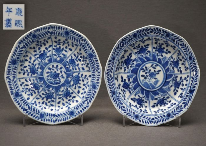 Pair octagonal saucers (2) - Porcelain - Bllossoms on rock - Marked Kangxi - China - 19th century