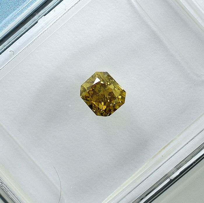 Diamond - 0.35 ct - Cut Cornered Rect.Mod Brilliant - Natural Fancy Deep Brownish Yellow - Si1 - NO RESERVE PRICE