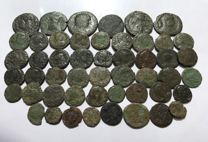 Roman Empire - Lot comprising 50 AE coins, UK found  Roman Britain , 2nd to 4th Century AD lot 1.1