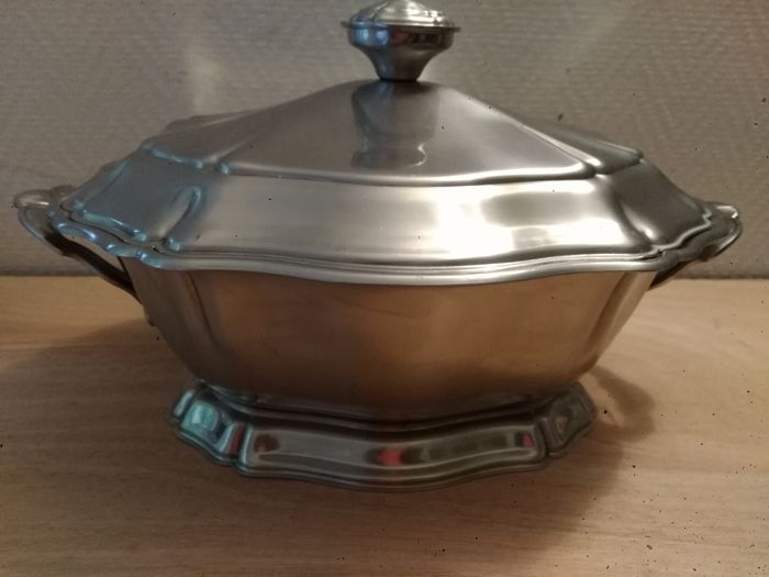 Soup tureen (1) - Silver Plated - France - Mid-19th century