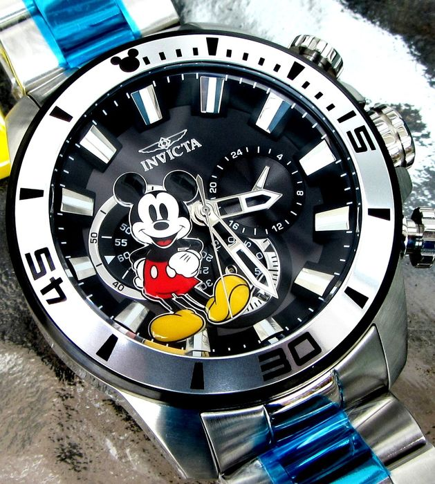 Disney Invicta Wristwatch - Limited Edition - Mickey Mouse Oversize Chronograph  - #0367 of 3000