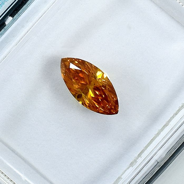 Diamant - 0.41 ct - Markis - Natural Fancy Intense Orangy Yellow - SI1