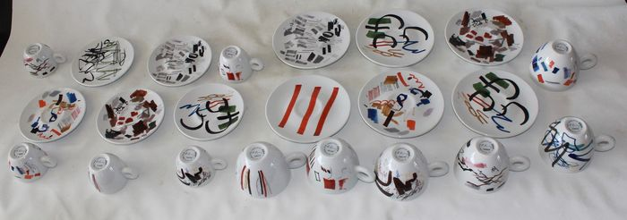 Padraig Timedals – Illy collection by I.P.A. – Cup & saucer sets (11) – Abstract – Porcelain