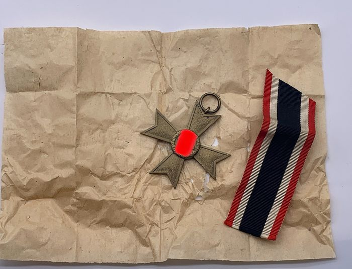 Germany - 3 rich - Mint: War Merit Cross 2nd Class 1939 Without Swords - Original Packed - With Band - 1939