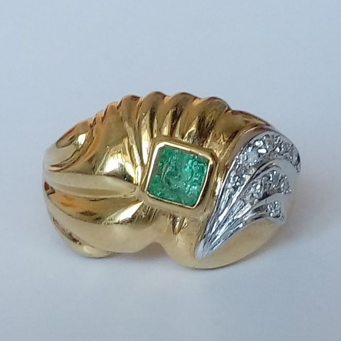 18 kt. Gold - Ring - 0.34 ct Emerald - Diamonds