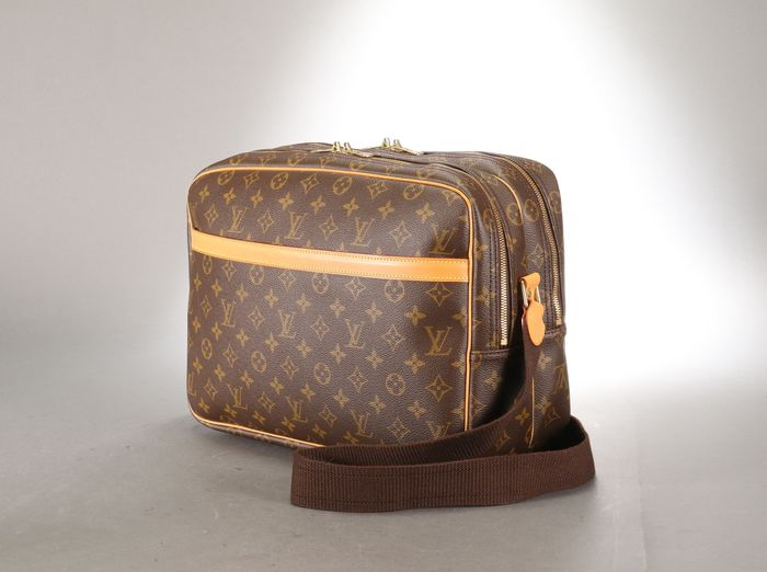 Louis Vuitton - REPORTER GM M45252 Shoulder bag