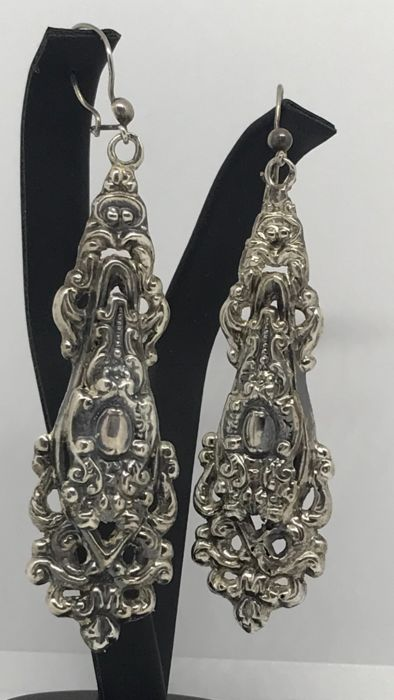 Silver - Impressive long antique silver earrings, early 20th century