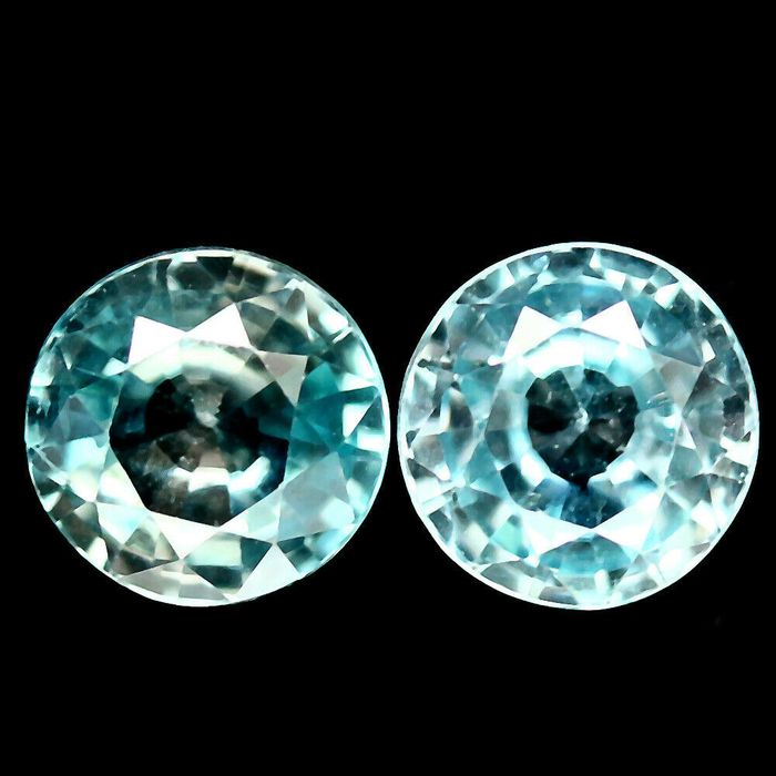 2 pcs  Zircon - 2.83 ct