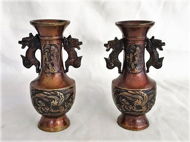 A pair of bronze twin handled miniature vases - Bronze - Japan - Late 19th/Early 20th century (Meiji period)