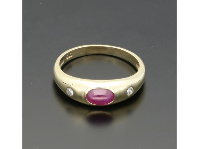 14 kt. Gold - Ring - 0.29 ct Ruby - Diamonds