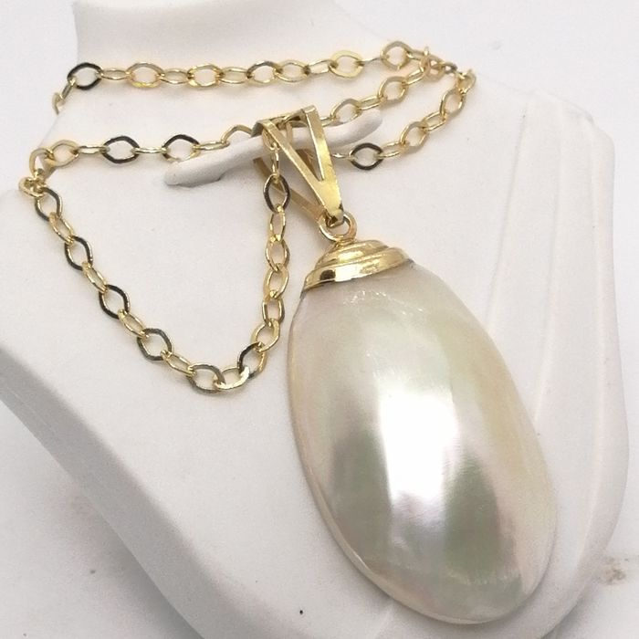 18 kt. Gold, Mabe pearl - Necklace with pendant oval mabe pearl