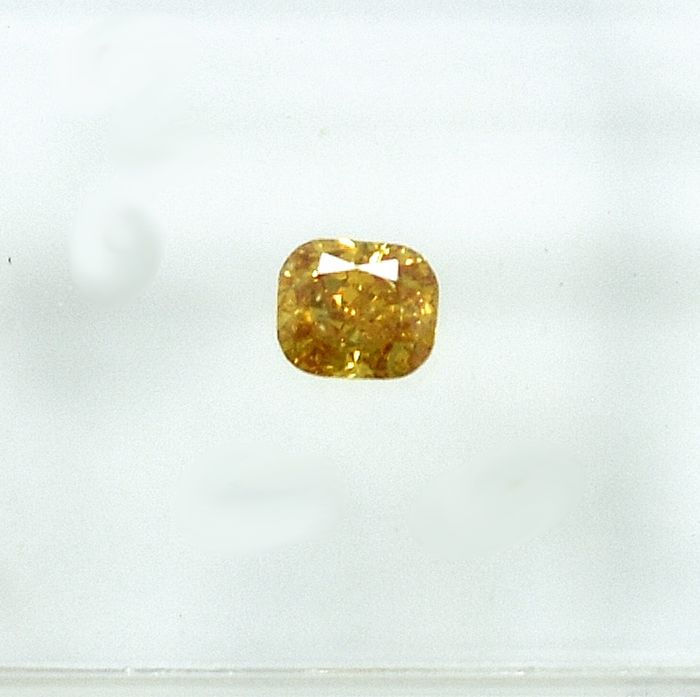 Diamond - 0.22 ct - Cushion - Natural Fancy Vivid Orangy Yellow - Si2 - NO RESERVE PRICE