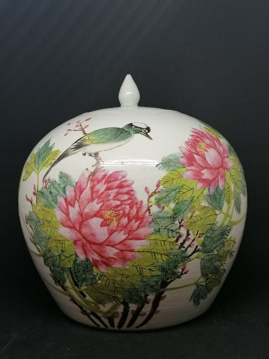 covered pot with bird and peonies - Porcelain - China - 19th century