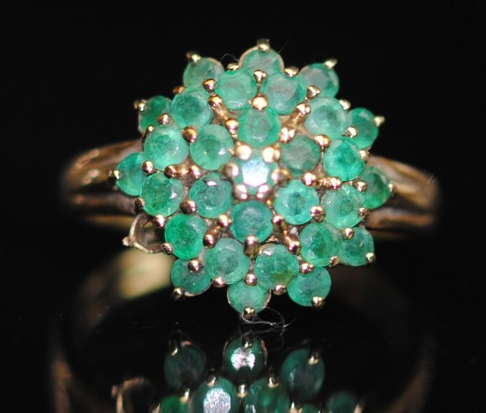 Emerald Cluster - 9K Yellow gold - Ring