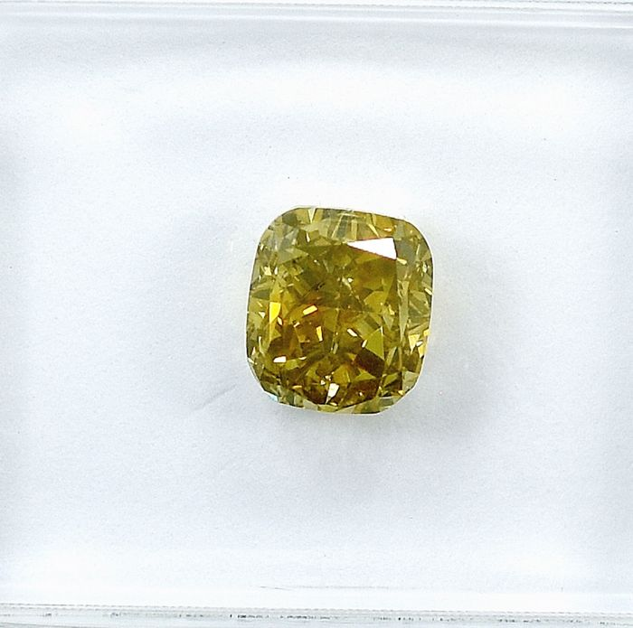 Diamond - 1.02 ct - Cushion - Natural Fancy Deep Greenish Yellow - VS2
