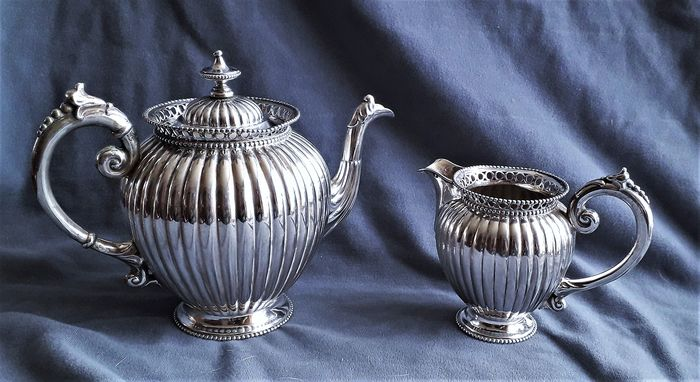 2-piece silver tea service in pumpkin shape - .835 silver - Netherlands - 1896