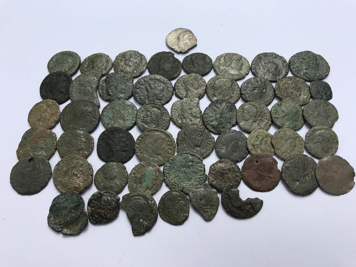 Roman Empire - Lot comprising 50 AE coins + 1 AR Silvered coin, UK found  Roman Britain , 2nd to 4th Century AD lot 1.3