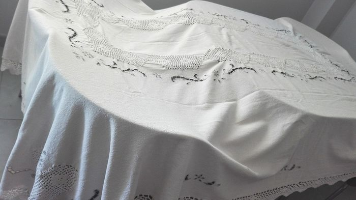 Centennial linen toweling towel with hand embroidery and lace - Pure linen