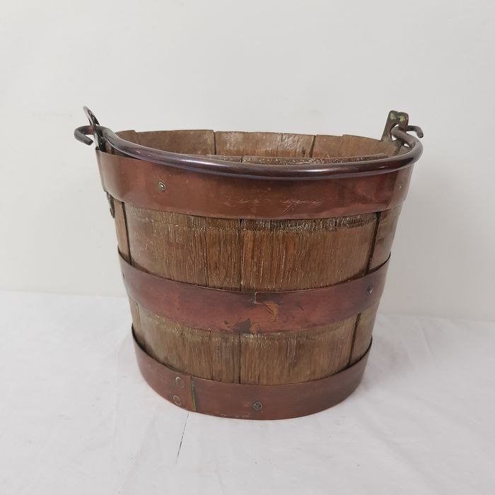 Wooden tub with iron fittings - Wood