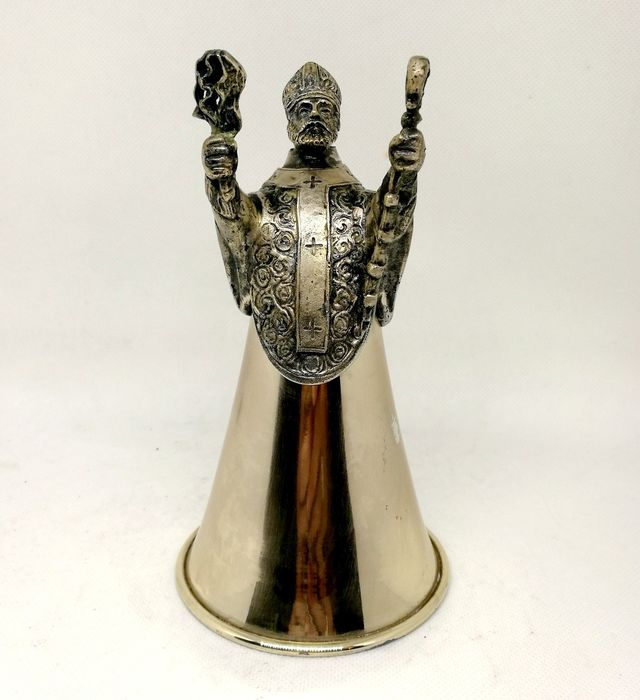 Rare cup modeled on the figure of a priest - .800 silver - Italy - mid 20th century