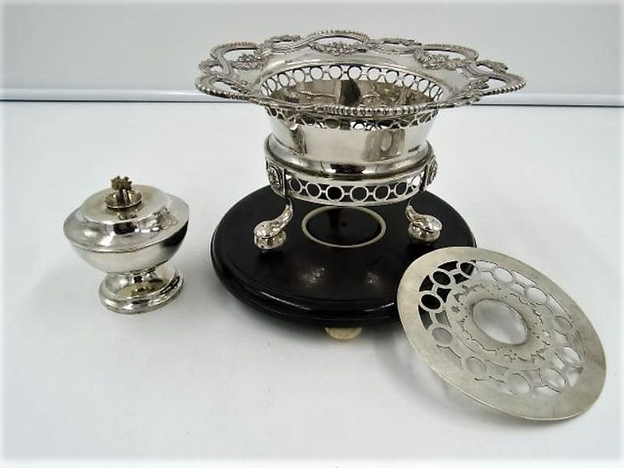 Silver brazier, Louis XVI style on ball feet - .833 silver - Netherlands - Late 19th century