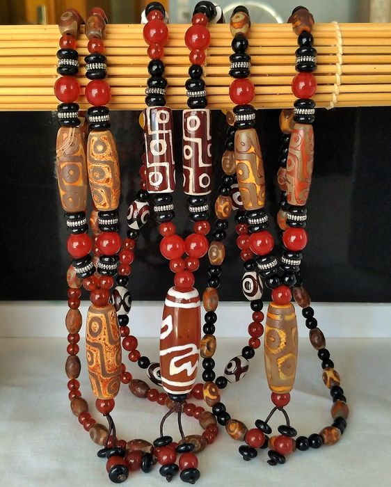 "Culture Bouddhisme - Tibetan Meditation Mala Necklaces ""Dzi"" Lotus Flower, 6 and 9 Eyes (3) - Agate"