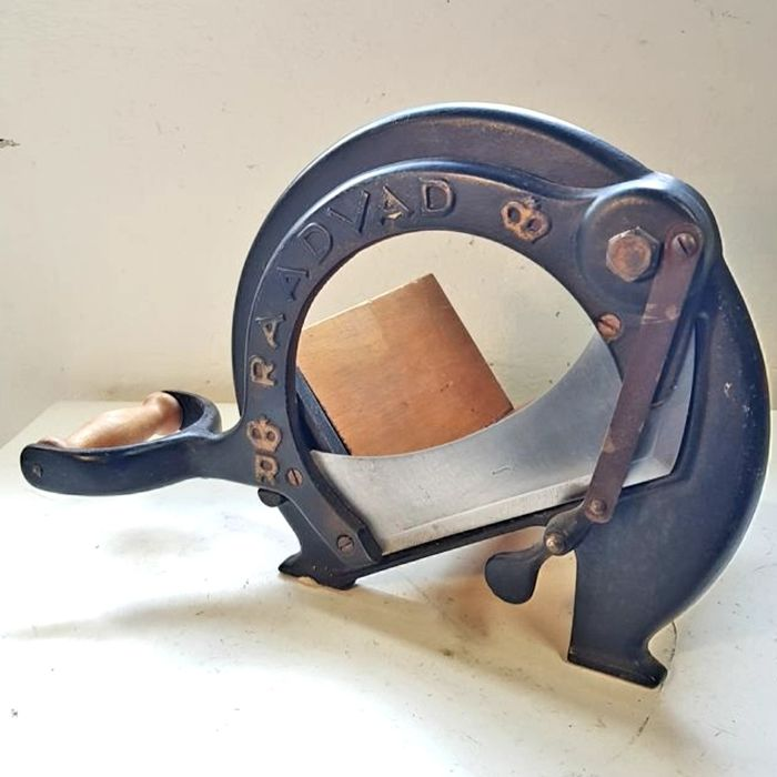 RAADVAD No. 294 - Bread Slicer / Food Cutting Machine - Medieval - Iron (cast/wrought), Steel (stainless), Wood