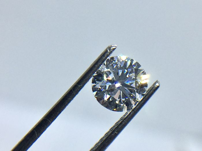 1 pcs Diamante - 0.94 ct - Brillante, Redondo - D (incoloro) - VVS1