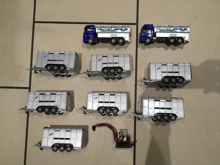 Siku - 1:55 - Los mit 10 Modellen - 2 milk trucks 1939 7 viaducts 2890 and 1 crawler excavator Schaeff HR 32