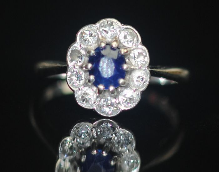 Sapphire and Diamond (0.40ct) - 18 kt. Platinum - Ring