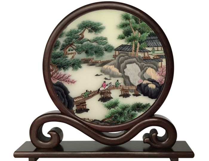 Handmade double-sided embroidery - Qingming Shanghe map - Asian hardwood - Hardwood, Silk - China - Late 20th century