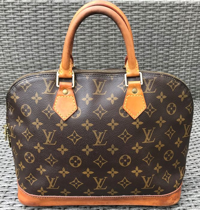 Louis Vuitton - Alma Handbag