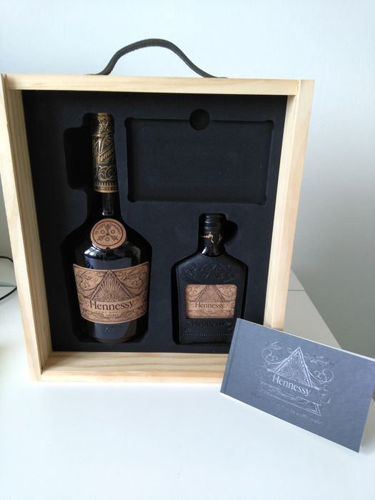 Hennessy - Very Special - Deluxe Limited Edition by Scott Campbell - 70cl + 20cl